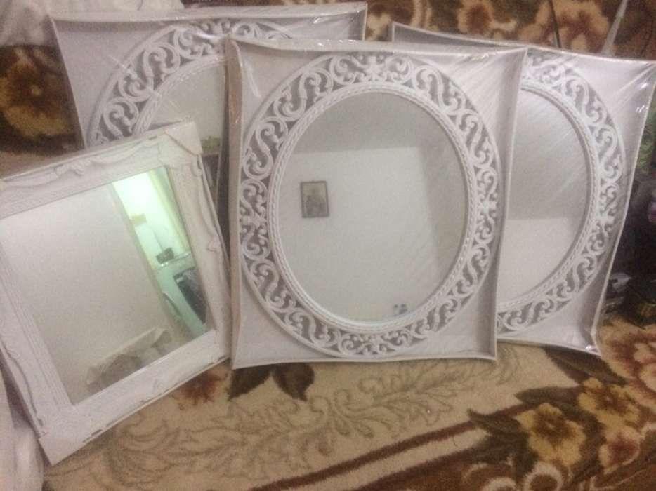 Oglinda mireasa cu rama alba ovala 48x56cm 140 lei