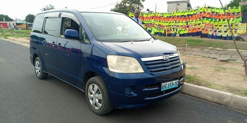 Toyota noah Bairro Central - imagem 1