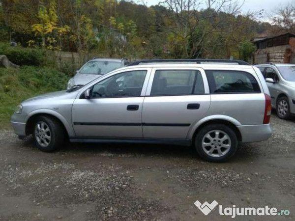 Inchiriez Opel Astra