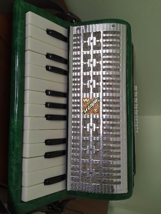 Vand acordeon NOU Razno Manbiw, made in USSR - 16 basi, 14 clape