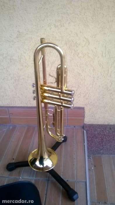 Trompeta schwarz