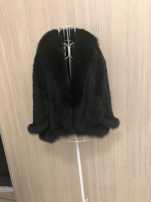 Палто с косъм от визон; късо палто с косъм от визон и лисица