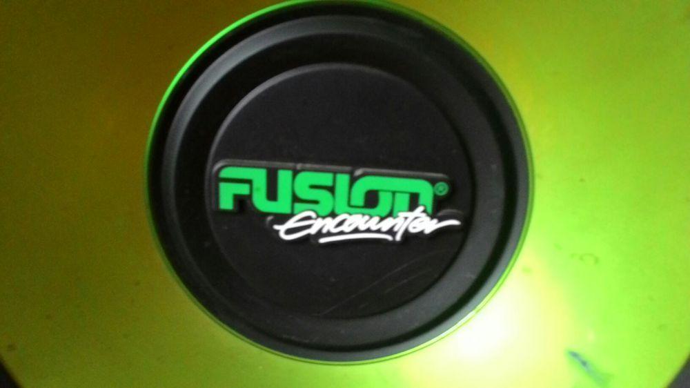 Сабвуфер fusion с усилителем для авто