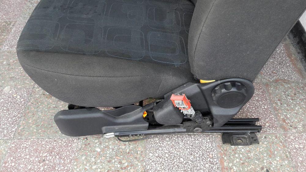 Vând scaun dreapta față pentru Ford Fiesta sau Fusion Piatra Neamt - imagine 3