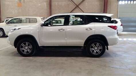 Toyota fortune a venda