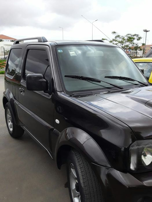 Vendo esse Suzuki Jimny automático gasolina 38mil km 5milhões