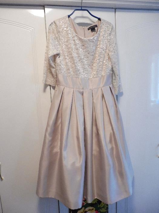 Vand rochie eveniment