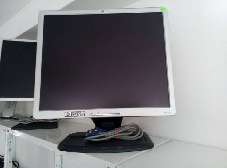 Monitor 19 - HP L1940T, DVI + VGA, Hub USB