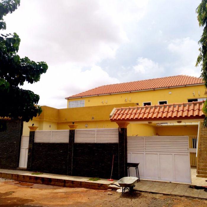 Vendemos Vivenda T5 Em Viana Zango Zango - imagem 1