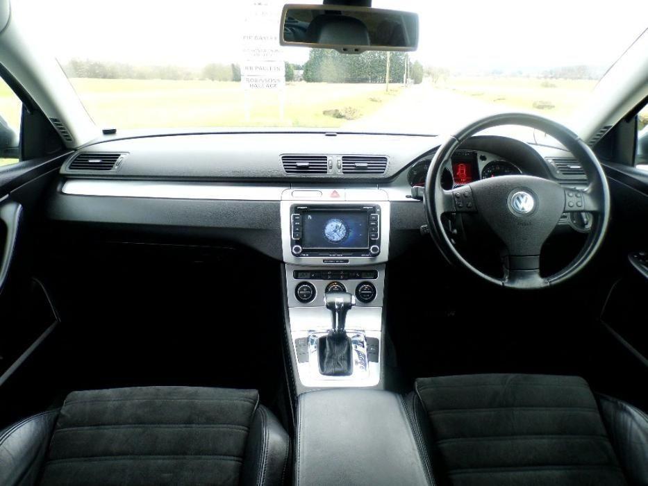 Navigatie Passat +Camera...PRET Negociabil in limita bunului simt
