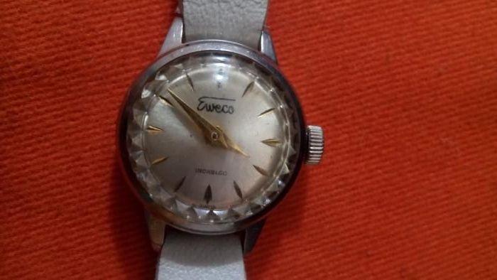 Ceas de dama mecanic Eweco, anii 80, miniatural, raritate