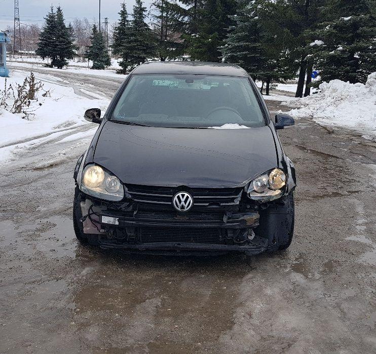 Volkswagen Golf на части