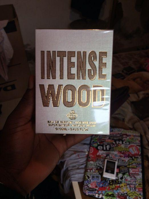 Vendo & faço entrega domiciliar de Perfumes de marca intense wood