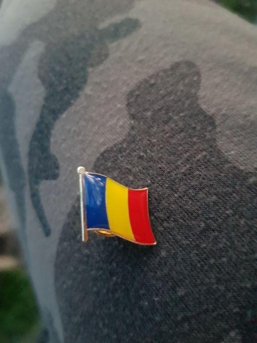 Pin insigna drapel România