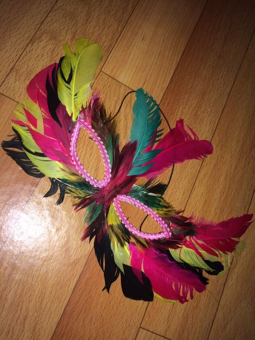 Карнавальная маска с перьями Атырау - изображение 1
