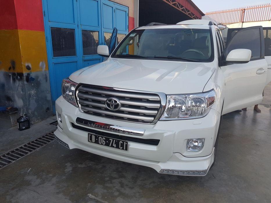 Land Cruise V8 Diesel limpo