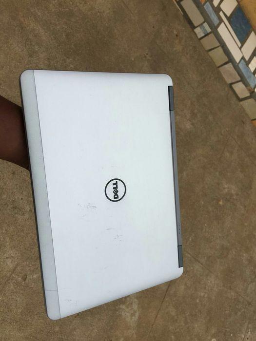 Dell latitude E6440 core i5, 4th gen , 4gb ram ,500 hdd,
