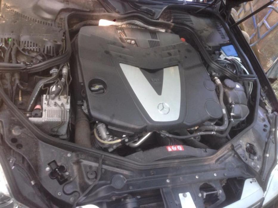 Предлагам двигател за Мерцедеси Mercedes 320i,320cdi, 350i , 500i ,2,2