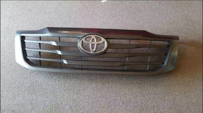 Vendo Grelha Para Toyota D4D Hilux Simples