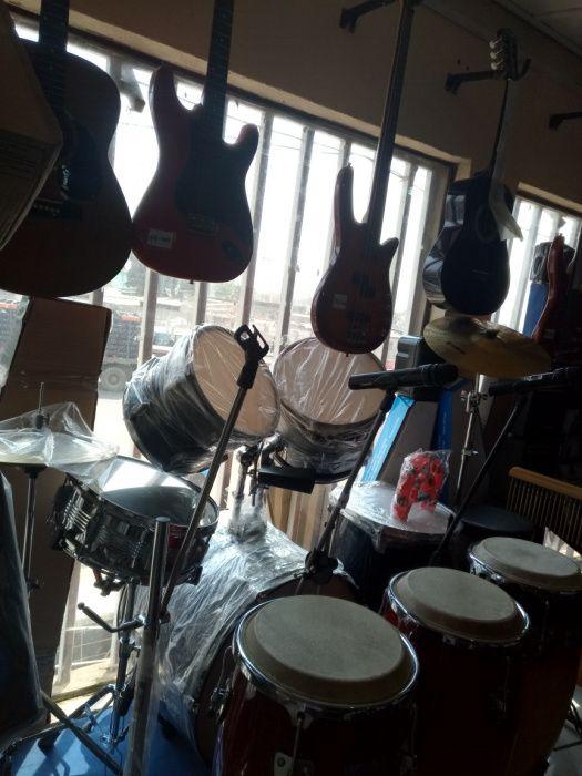 Alugo instrumentos de som