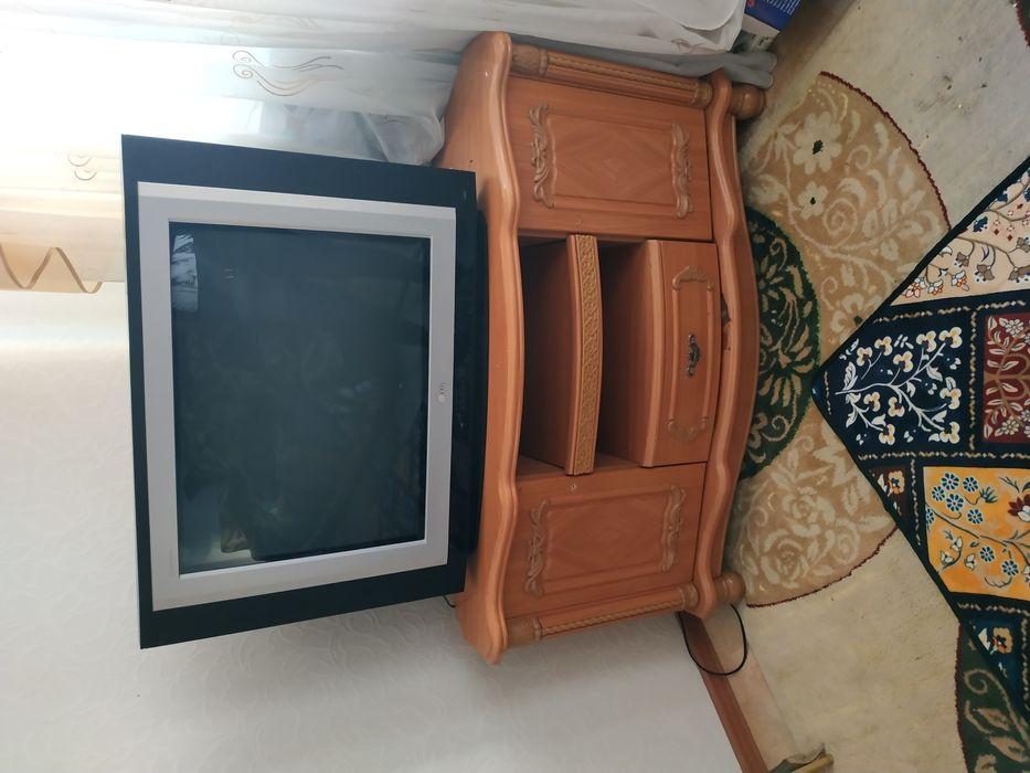 Продам телевизор+тумба