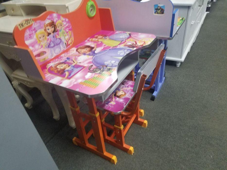 cadeira e mesa para a criaças