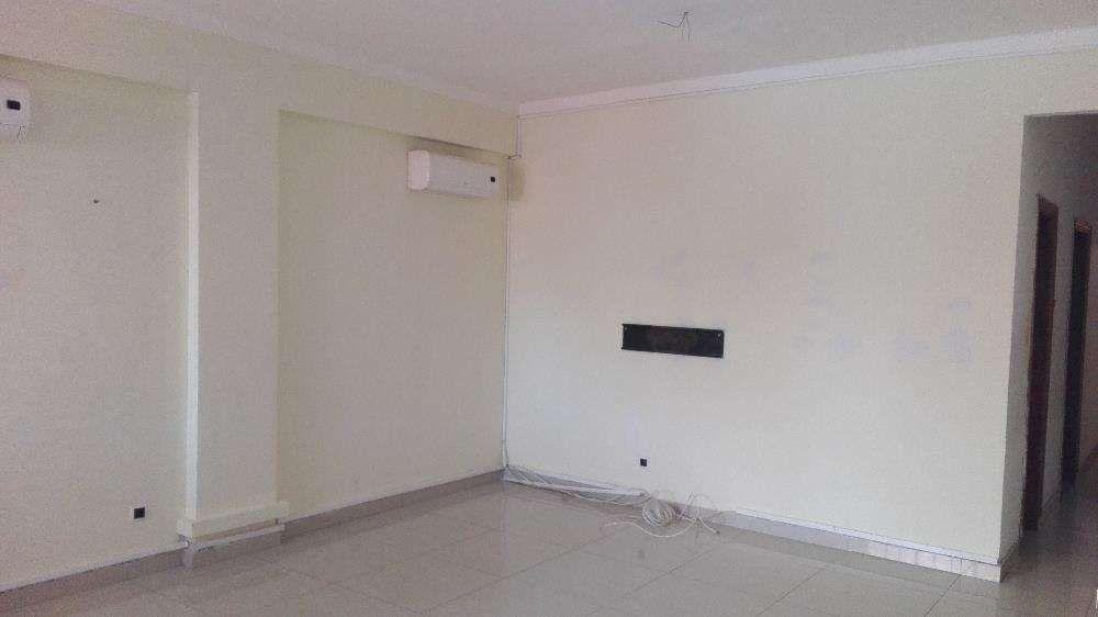Vendo Apartamento T2. 2andar . Vinida Brasil