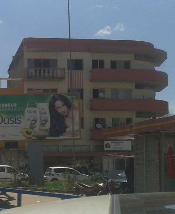 Vende-se prédio no Huambo