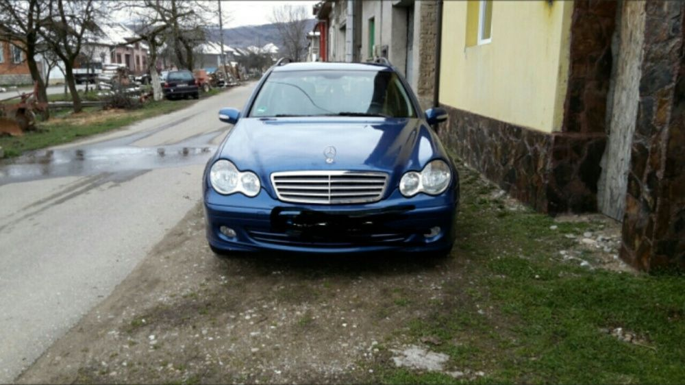 Vând Mercedes c 200 din 2005