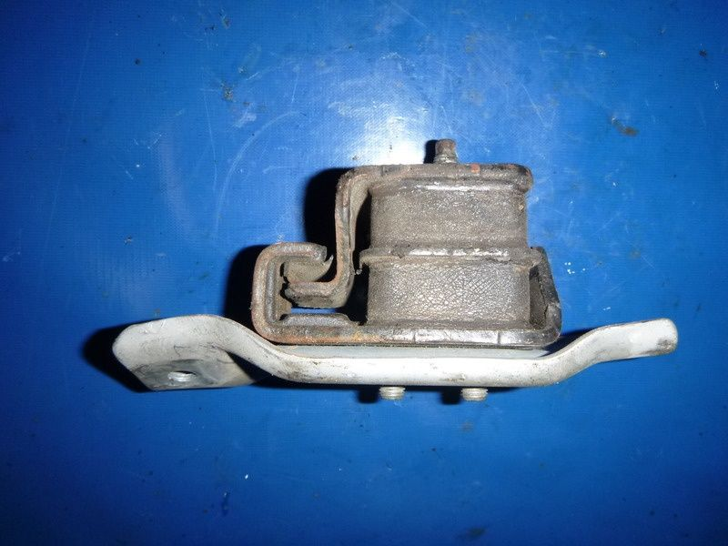 Подушка двигателя на Subaru Legacy, Forester, Impreza, Outback