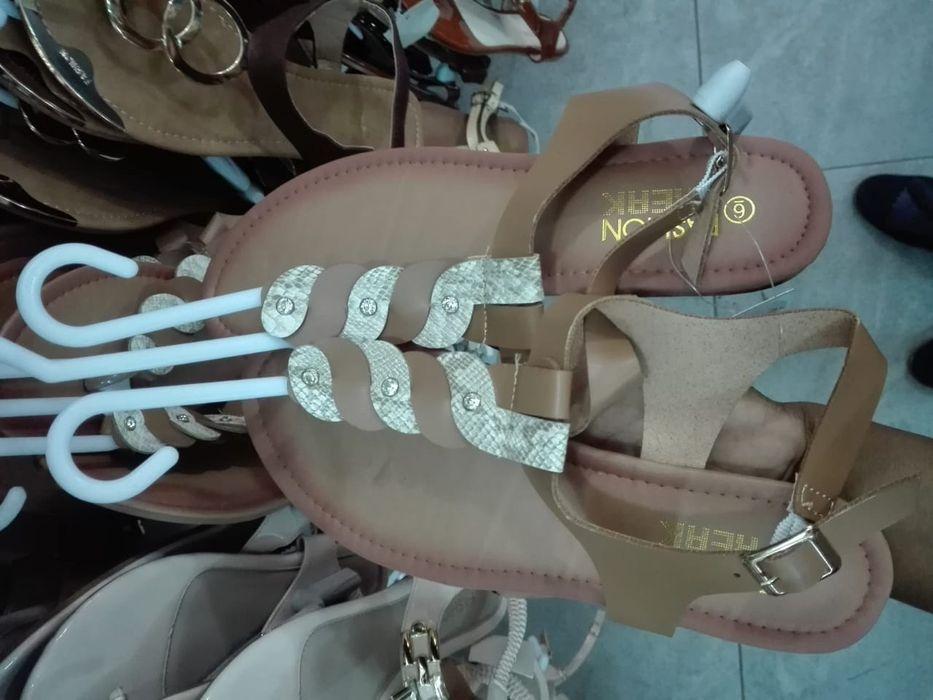 Sandálias e chinelos Cidade de Matola - imagem 7