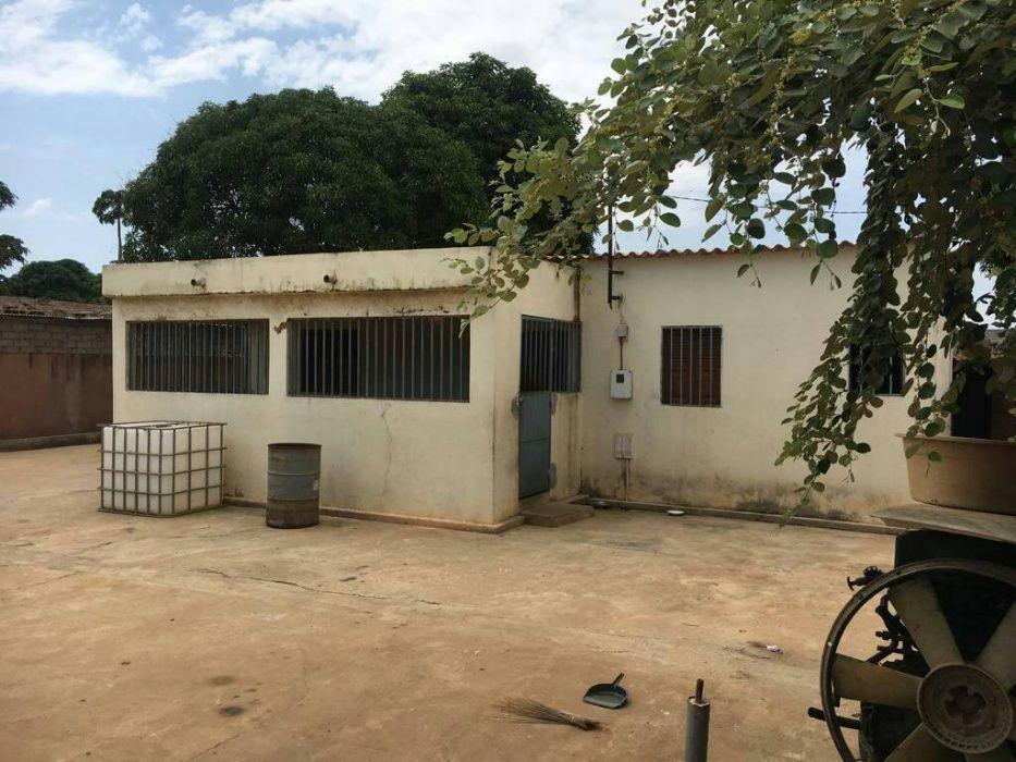 Vende-se uma casa no Ramiro- Benfica