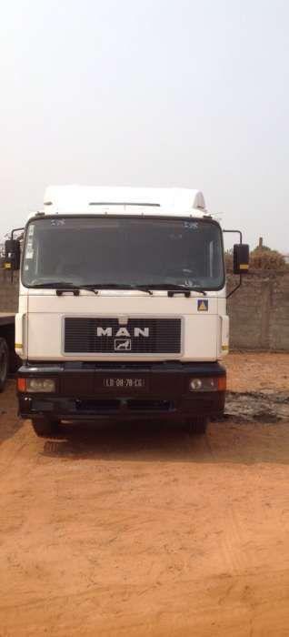 Vendo tractor MAN