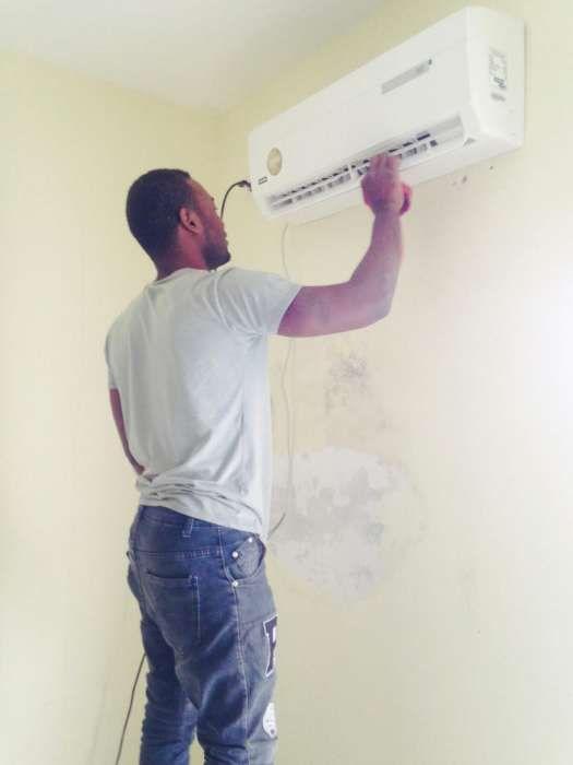 Reparamos e fazemos manutençao de ar condicionados