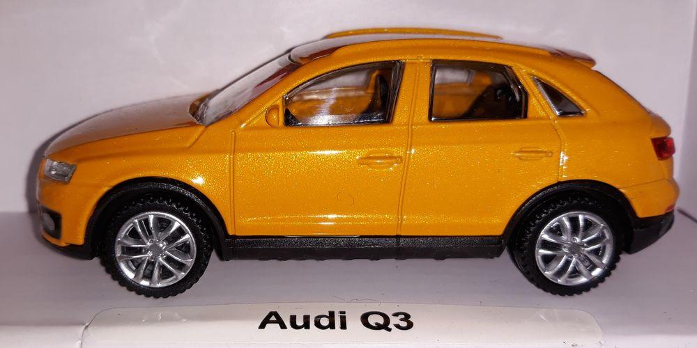 Vand macheta auto Audi Q3