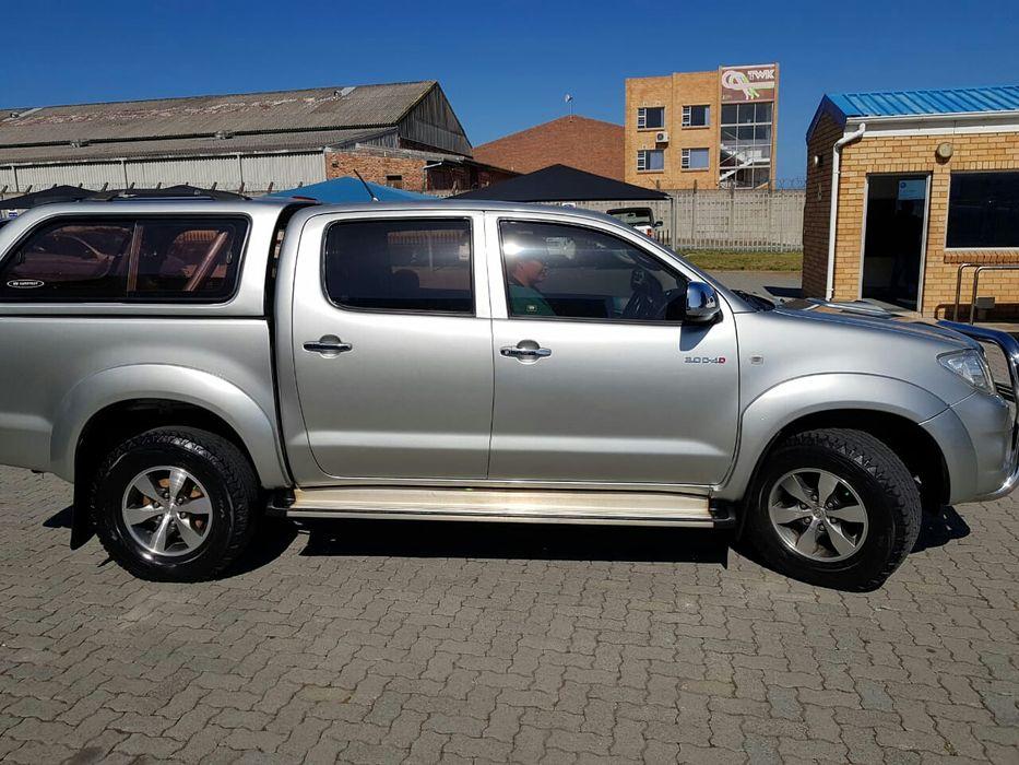 Comprada na Toyota de Moçambique Toyota Hilux D4d Manual 4x4
