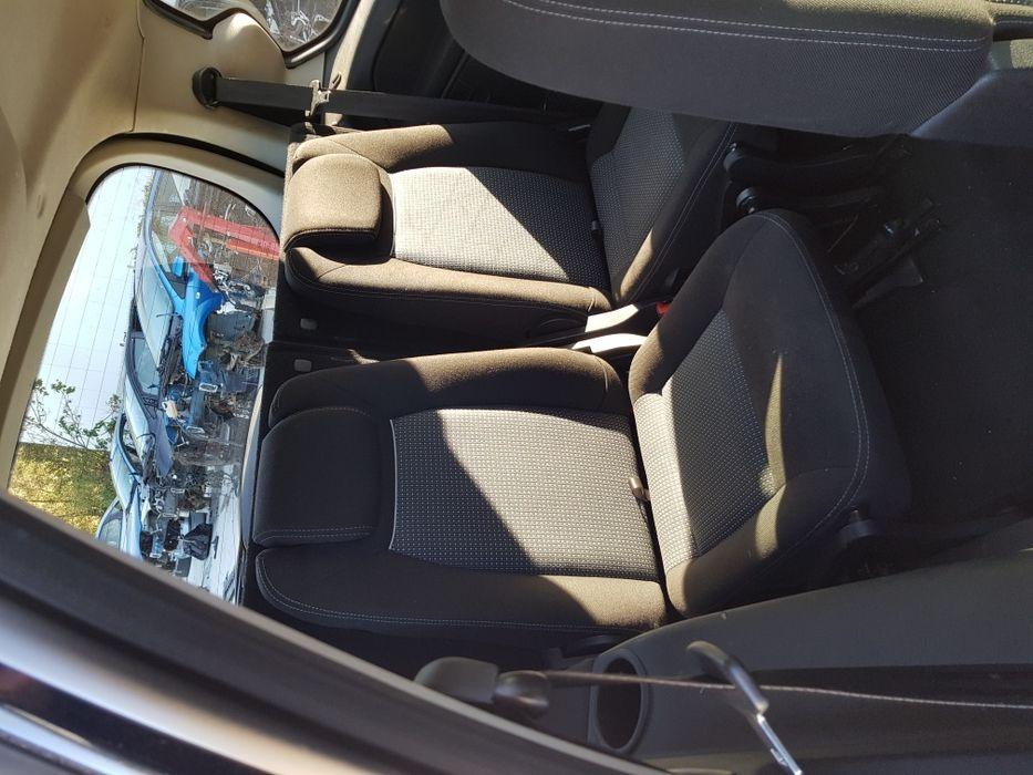 Dezmebrez Ford Galaxy 2012 2.0tdci 140cp euro5 Automat Cluj-Napoca - imagine 6