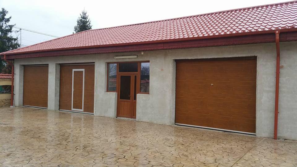 Uși de garaj izolate L3200 x 2800 stejar auriu + acces pietonal