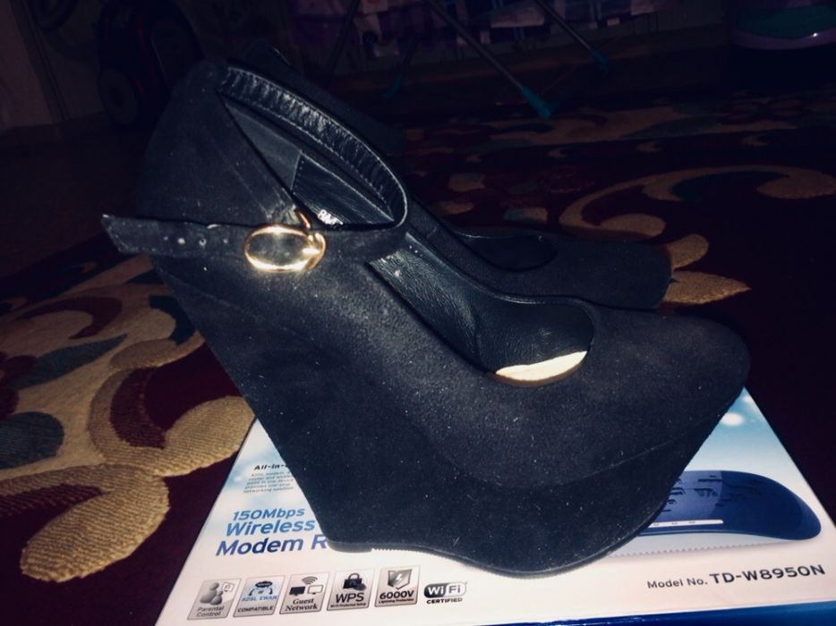 Продам обувь Танкетки