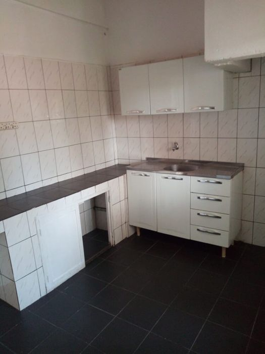 Arrenda-se Apartamento T2 2°Andar na Polana