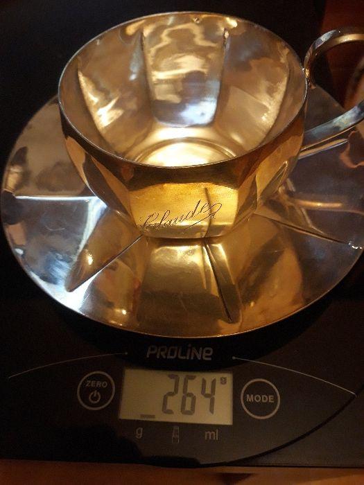 Farfurie si ceasca argintate, Franta