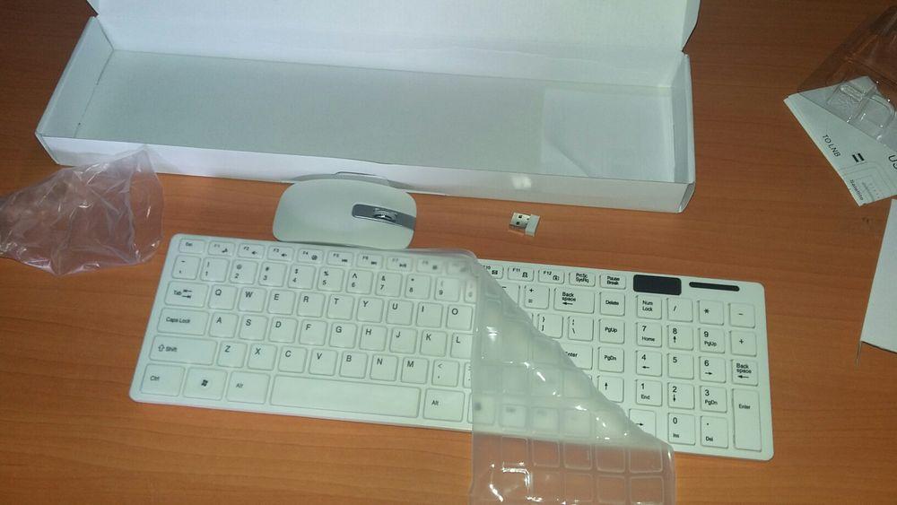 Kit de teclado e mouse wireless e com protector de poeira