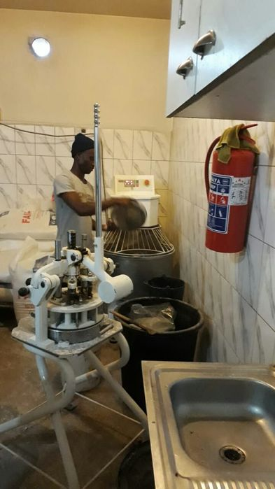 Vende-se uma Padaria completa na Matola em Tsalala c/todos equipamento