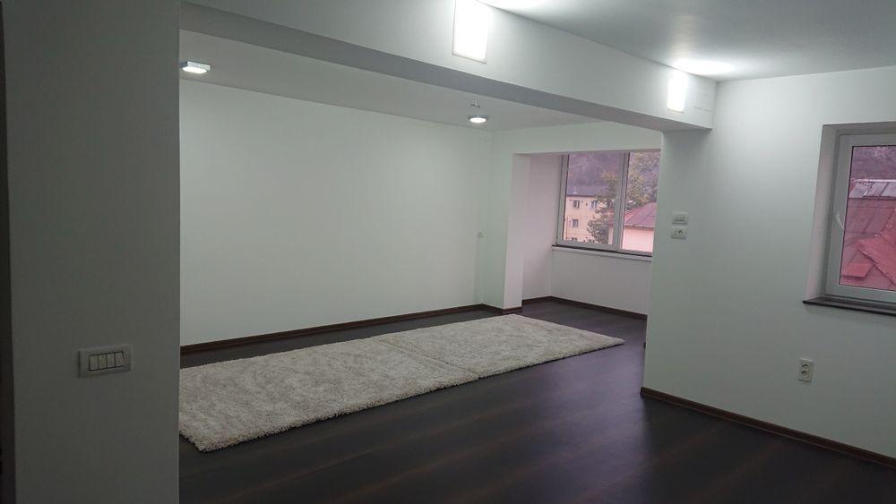 Vanzare  apartament  cu 2 camere  decomandat Caras Severin, Barza  - 27000 EURO