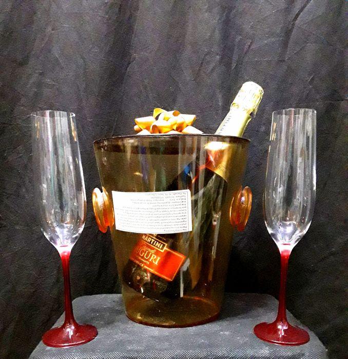 Pahare din sticlă fină 19 Cl pentru SAMPANIE ( CEHIA ) - NOI - 9 LEI