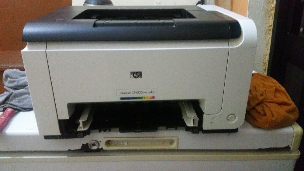 Vendo a minha impressora HP Laserjet 1025nw cor