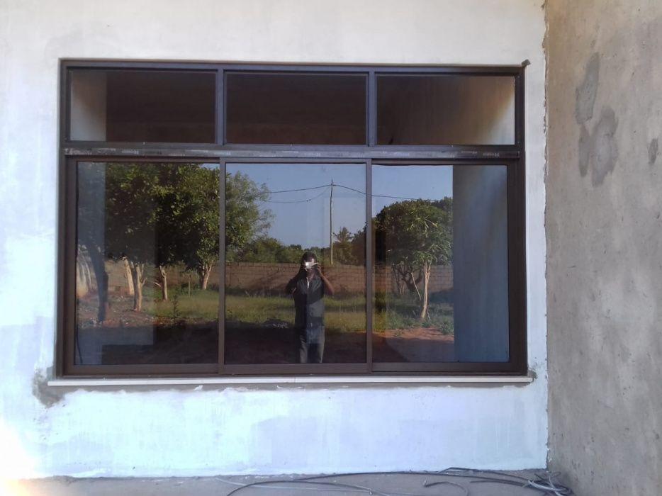 Montagem de Janelas e Portas de Aluminio e Teto Falso