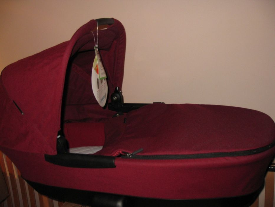 Нови Maxi Cosi / Quinny кош за новородено Foldable