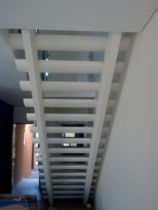 Arrenda se moradia duplex t3 luxuosa c piscina no condominio Mares Sommerschield - imagem 8