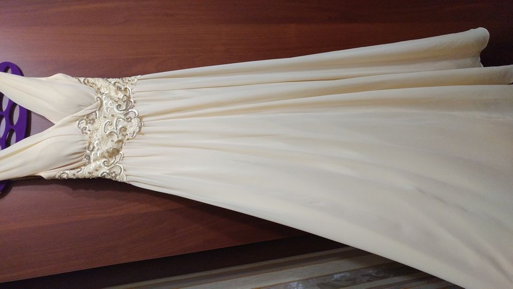 Шикарное платье в пол. Продам